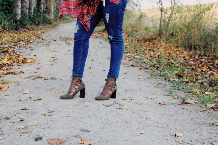 fashionediy, handmade, diy, fashion, natoya, natoyaista, bloggersofcanada,bblogger,mission bc, abbostford bc, fraser vally blogger, fraser valley, tartan, scarf,
