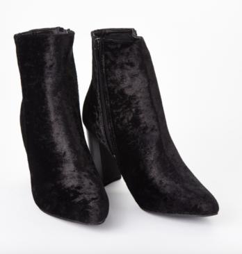 sued, sued boots, velvet boots, velvet, velour,