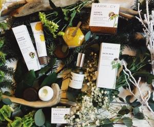 beauty, farmacy beauty, natoyaista, just natoya, sephora, blogger, beauty blog, beauty blogger, skincare, natural skincare, flatly, skin dew, honey, honey potion, face mask